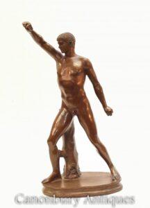 تمثال رياضي روماني كلاسيكي من البرونز - تمثال عاري في جولة كبرى